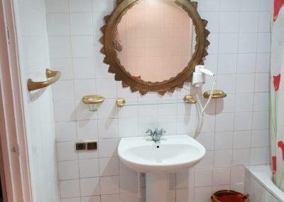 Salle de bain hotel Farah Aljanoub